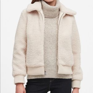 GAP cream Sherpa Bomber jacket size medium